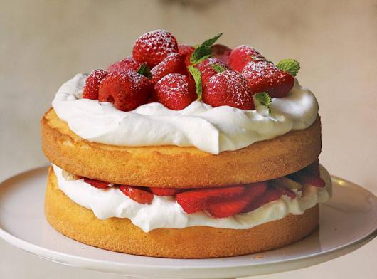 Simple naked strawberry Christmas cake
