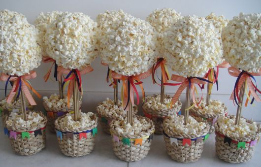 party favors with popcorn