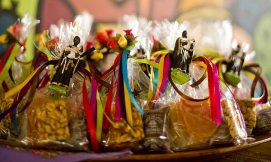 party favors with coconut candy
