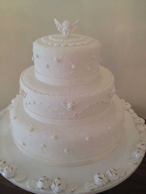 white cake american paste