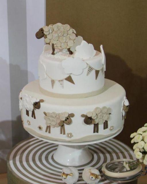 cake with sheep