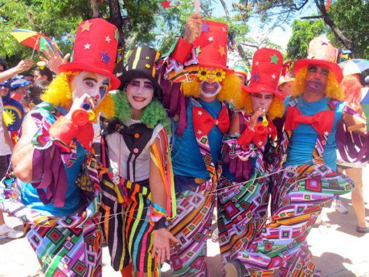 clown costume highlight