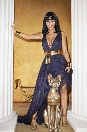 Cleopatra's costume looks