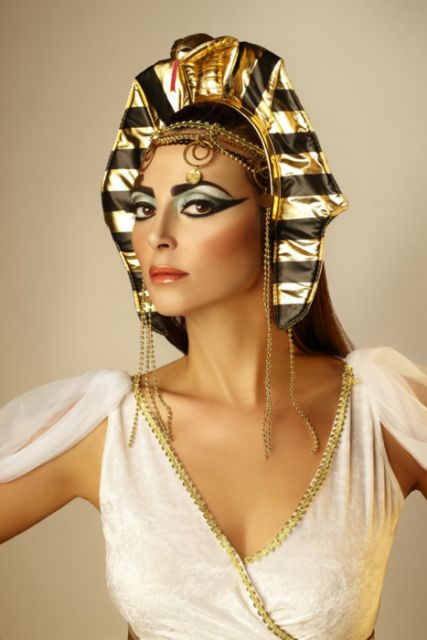 make up Cleopatra costumes step by step