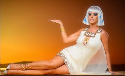 Karry Perry's Cleopatra costumes