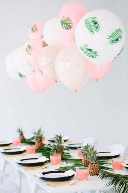 Hawaiian party with balloons