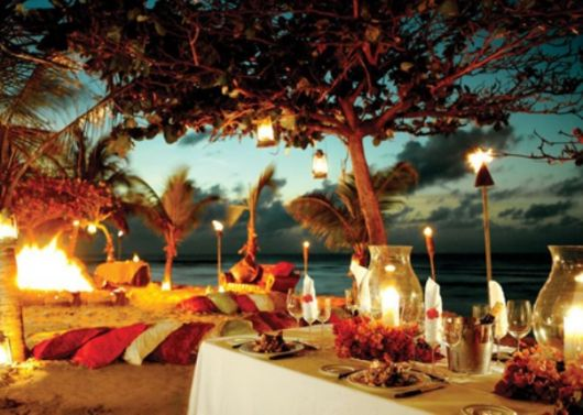 hawaiian party beach lighting