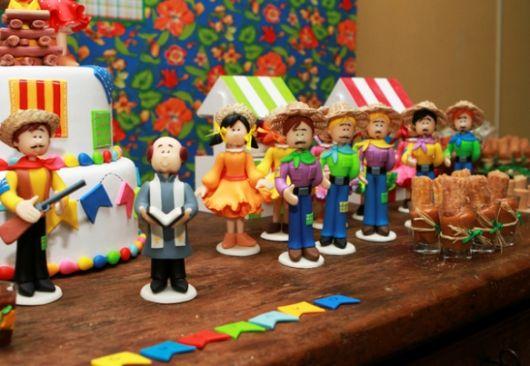 party favors junina dolls