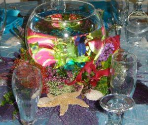 table center ideas for an aquarium wedding