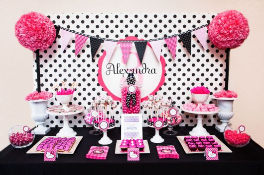 Black-and-Pink 30th-Birthday Party