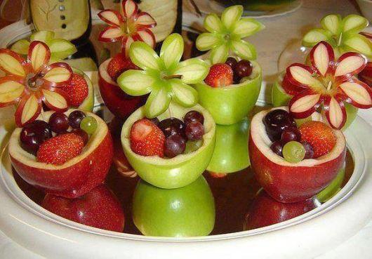 creative fruit table