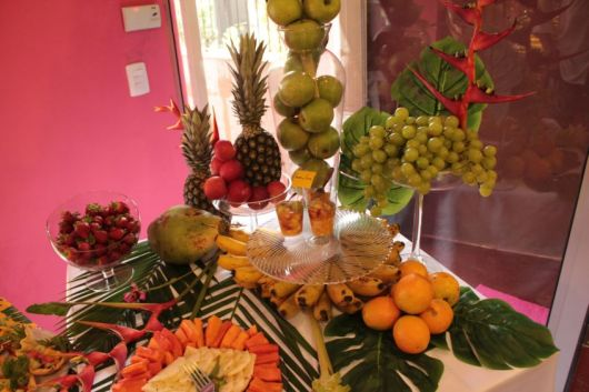 tropical fruit table