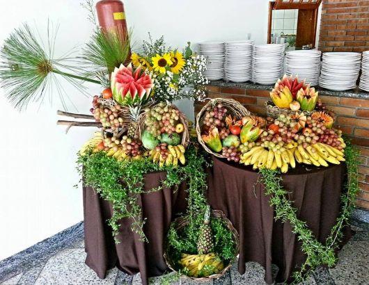 christmas fruit table