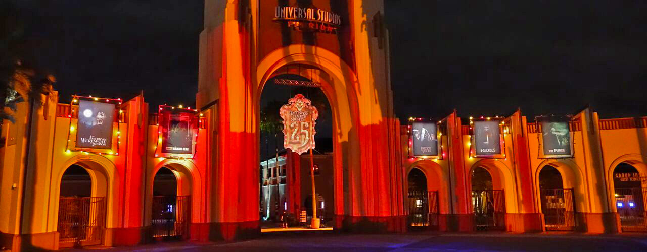 Can a 10 year old go to Halloween Horror Nights?